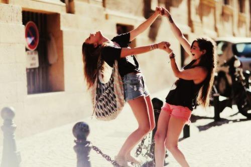friendship-girls-photography-fan-31640235-500-333