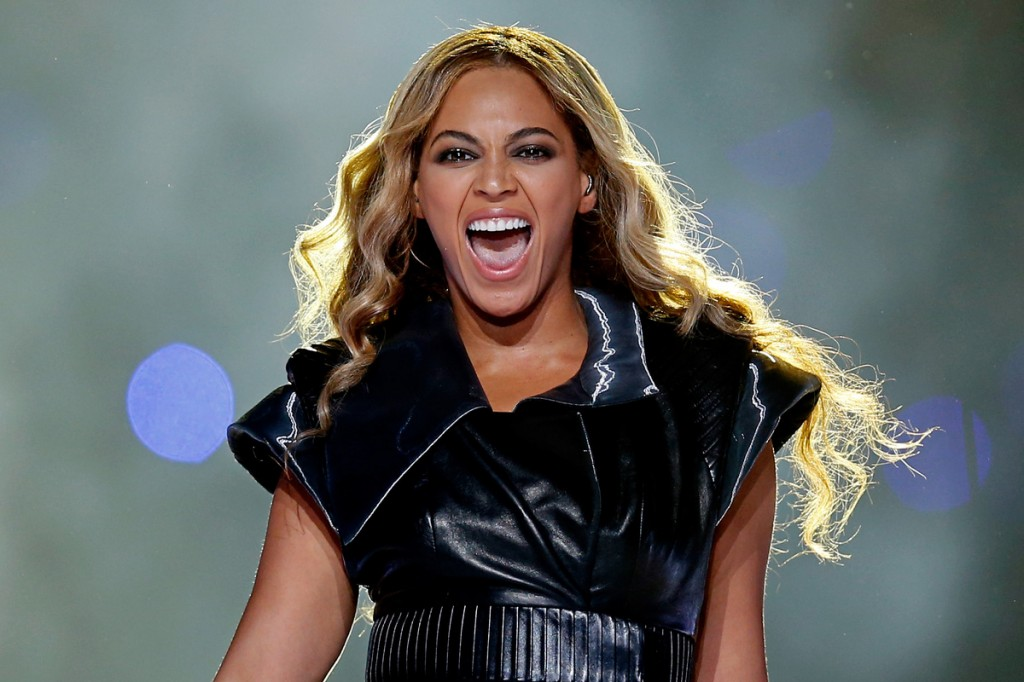 Beyonce Superbowl1
