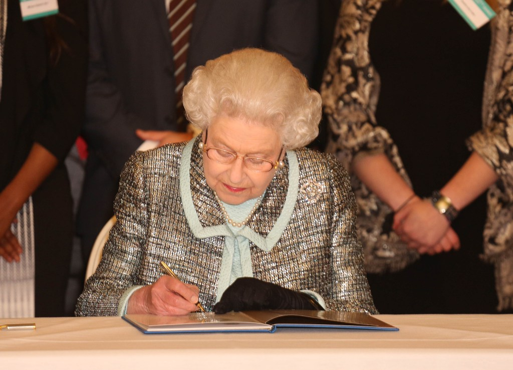 the puritans under the rule of queen elizabeth History of the puritans under elizabeth 1 filed under:  in 1558, queen mary died, and her half-sister, elizabeth became queen of england elizabeth had .