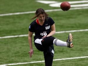 Lauren Silberman kicking 3