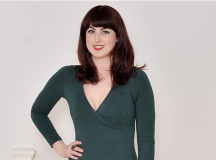 Former Anorexic Girl Becomes Plus Size Model & Hopes To Inspire Women
