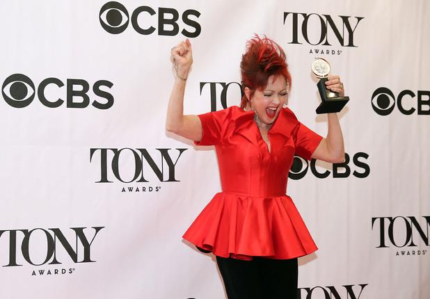 Cyndi-lauper-with-tony-award