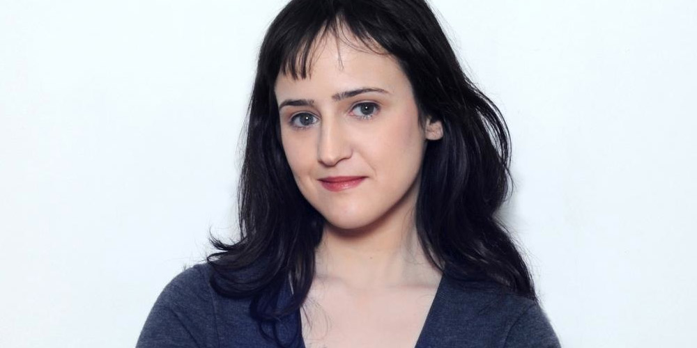 The 29-year old daughter of father Mike Wilson and mother Suzie Shapiro Wilson, 154 cm tall Mara Wilson in 2017 photo