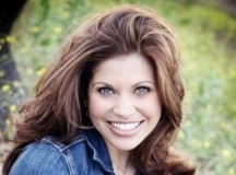 Best Way To Deal With Cyber Bullies According To Danielle Fishel