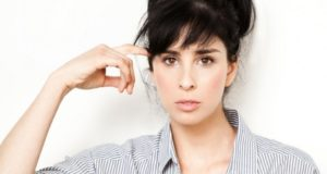 Sarah Silverman Says Female Comedians Rule Over Men!