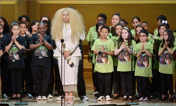 Lady-Gaga-Glamour-WOTY