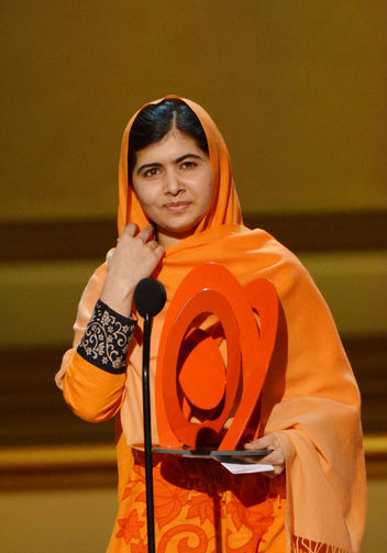 malala-glamour-women-of-the-year