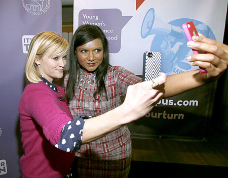 reese-witherspoon-mindy-kaling-