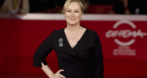 "Meryl Streep's Body Image Advice: ""What Makes You Different Is Your Strength"""