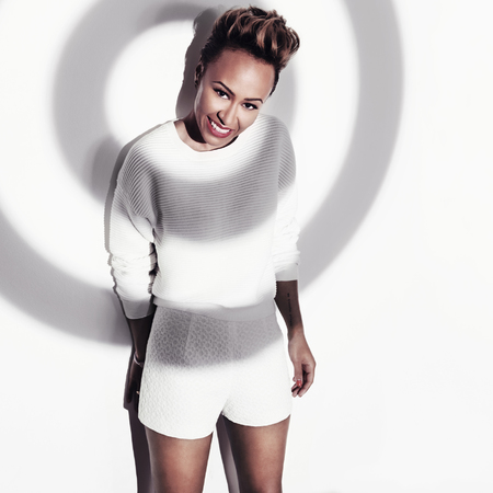 emeli-sande-fashion-targets-breast-cancer-campaign-how-to-raise-money-for-cancer-charity-fashion-targets-breast-cancer
