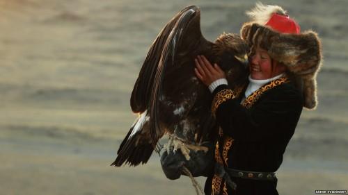 ashol-pan-mongolian-eagle-huntress