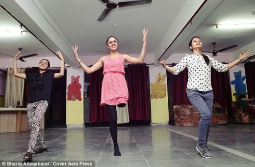 one-legged-dancer-subhreet-kaur-gumman