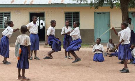 african-girls-in-school