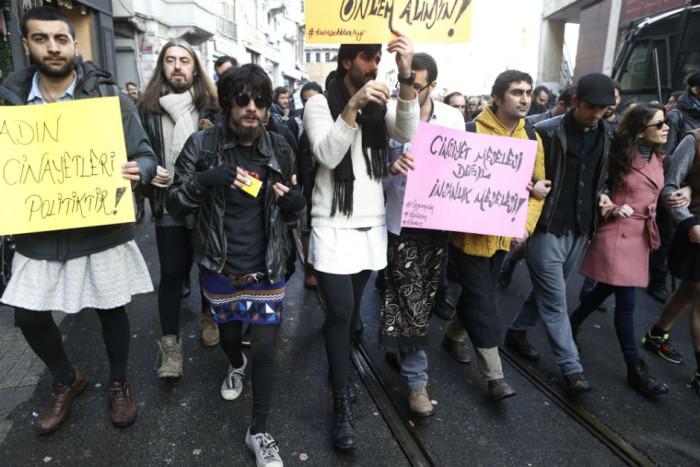 turkish-men-skirts-protest-violence-against-women