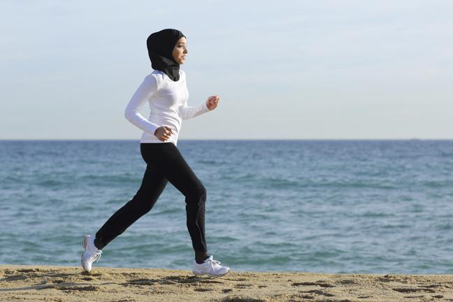 saudi-woman-running