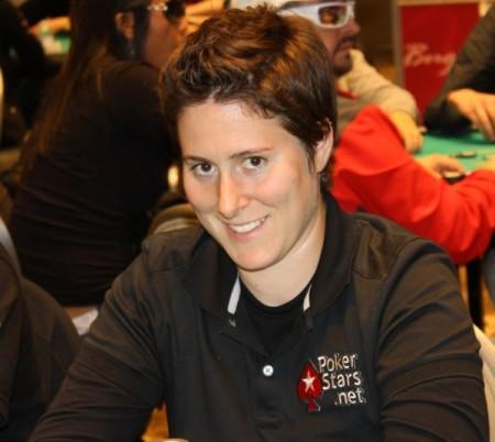 Vanessa-Selbst-poker-player