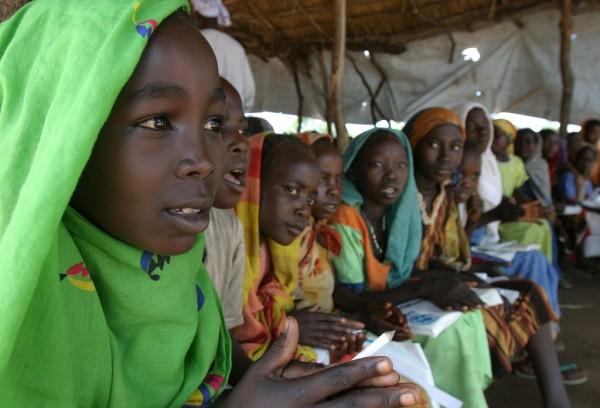 girls-in-kenya