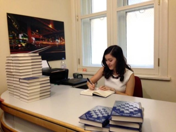 anna-caltabiano-book-signing
