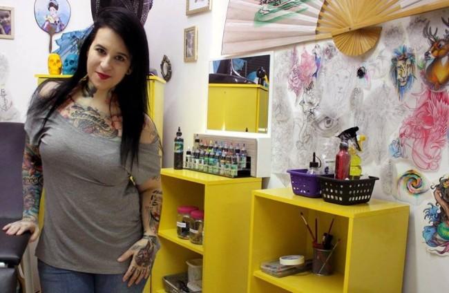 flavia-carvalho-tattoo-artist-domestic-abuse