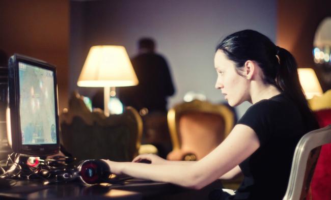 female-gamer