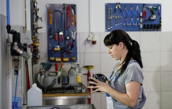 woman+mechanic