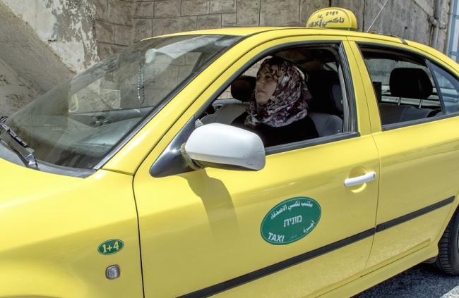 Nadia-Ahmad-female-cab-driver-palestine