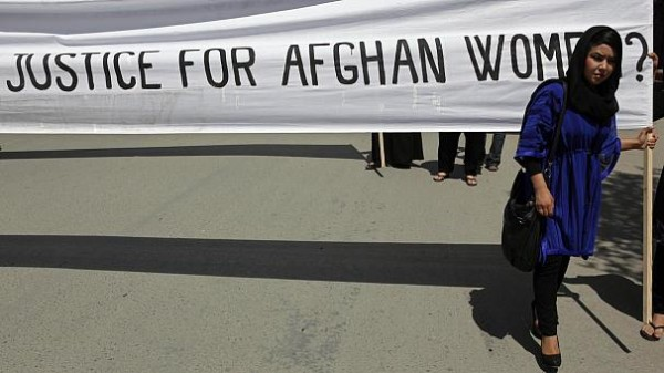 women-in-afghanistan-protest