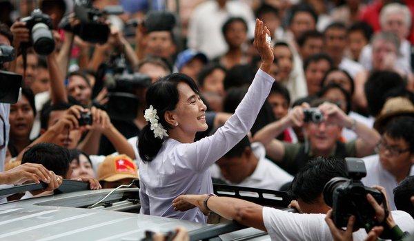 Aung-San-Suu-Kyi-myanmar-election