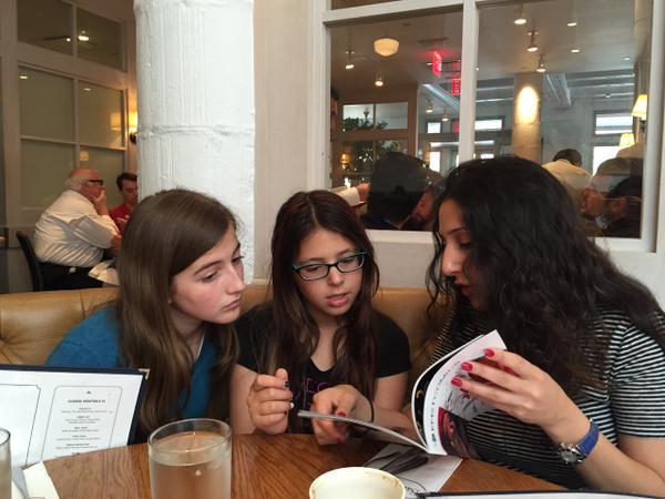 maytal-gilboa-girls-reading