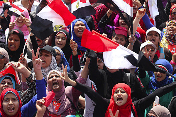 Egyptian-protesters-tahrir-square