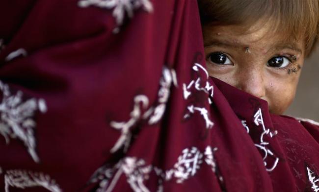 woman-and-child-pakistan