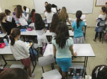 This Jewish Girls' School Is Challenging The Status Quo By Including Feminism In Its Lessons