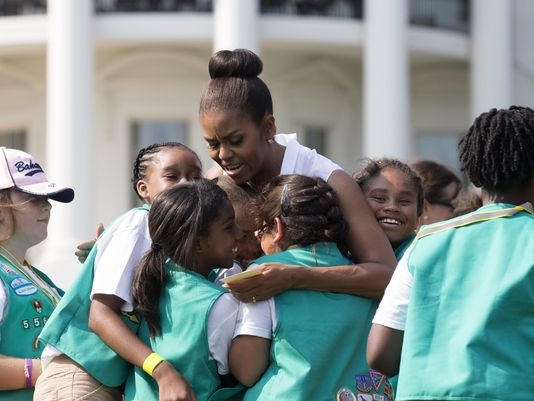 girl-scouts-michelle-obama