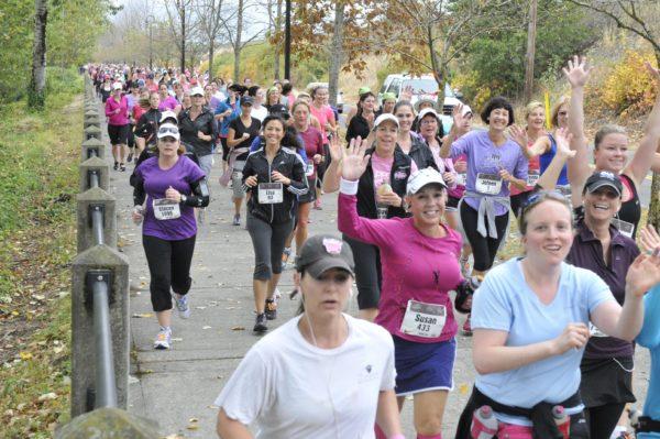 women-running-marathon