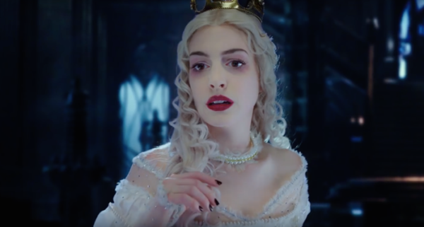 anna-hathaway-alice-through-the-looking-glass