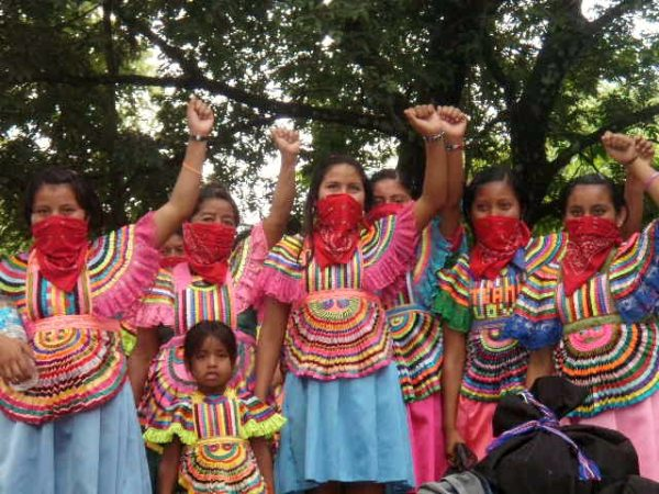 mexican-women-zapatista