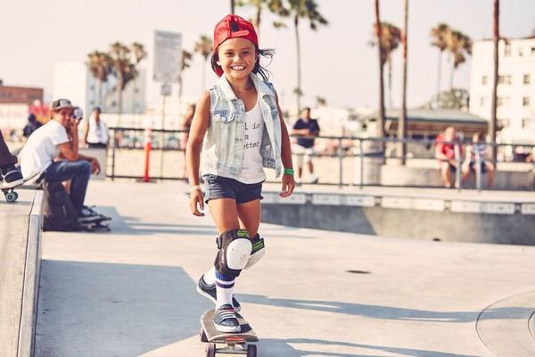 sky-brown-skater