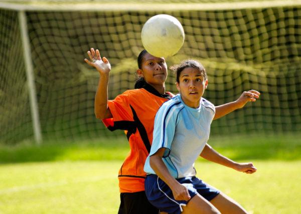 girls-playing-sport
