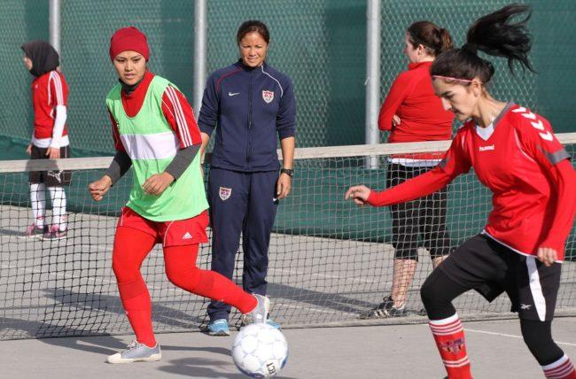 afghanistan-women-play-soccer