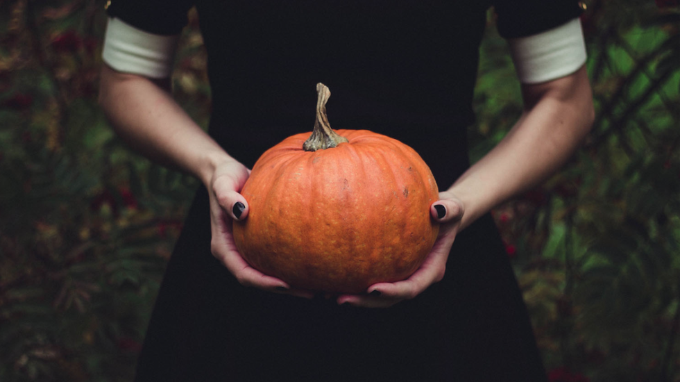 5 Horror-Themed Audiobooks By Female Authors To Get You Into The Halloween Spirit
