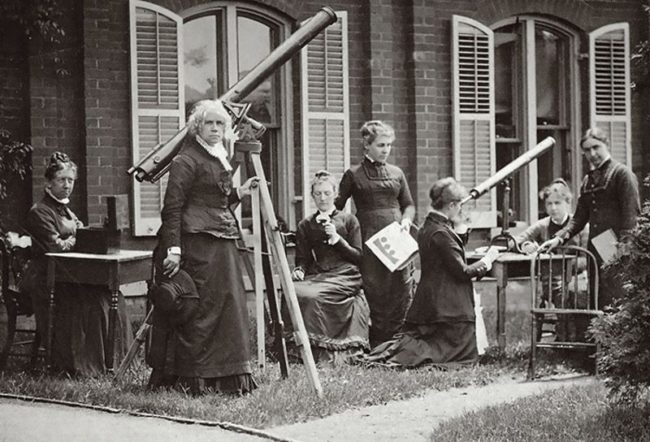 Maria Mitchell (second from left) and her students measure the Sun's rotation from the movement of sunspots.Credit: Vassar College Library.