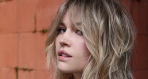 7 Bombshell Long Layered Haircuts We Can't Get Enough Of