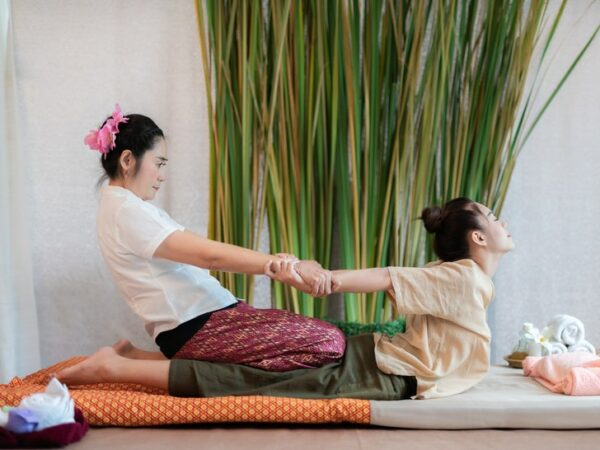 women massage com